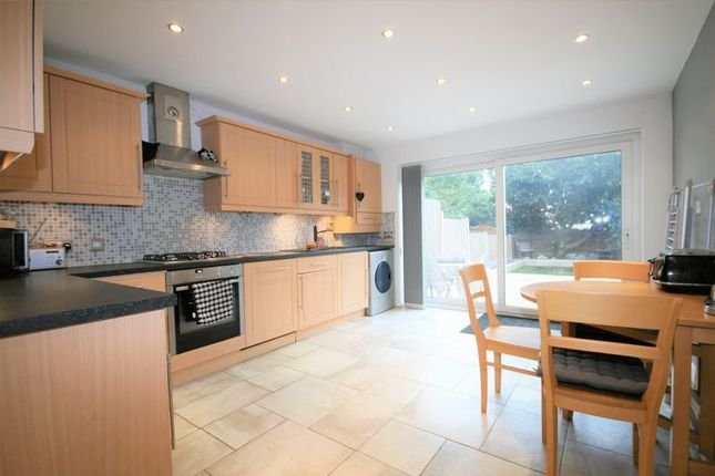 Thumbnail Town house for sale in Regency Court, Brentwood