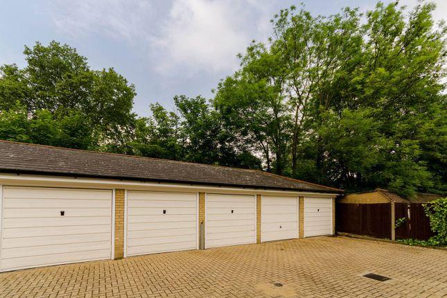 Parking/garage to rent in Keswick Road, East Putney