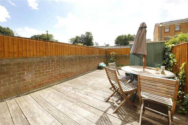 3 bed terraced house for sale in Malpas Road, Hackney