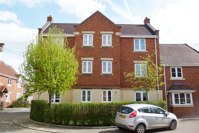 Thumbnail Flat for sale in Dorney Road, Swindon