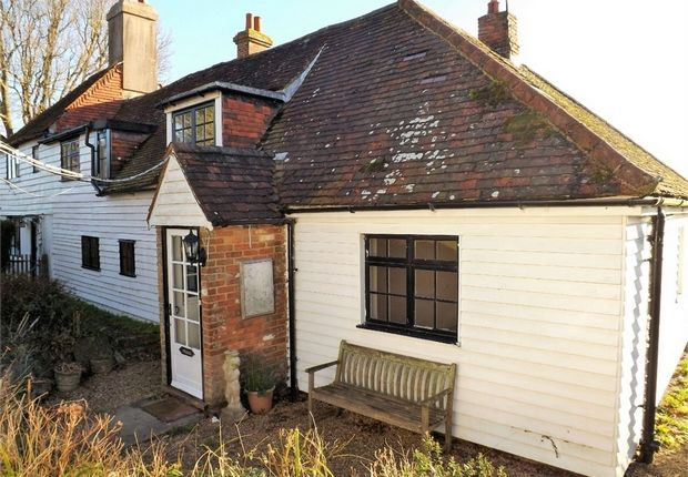 Thumbnail Cottage to rent in Church Road, Catsfield, Battle, East Sussex