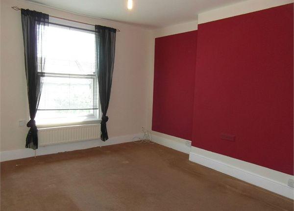 Thumbnail Flat to rent in Alexandra Road, East Croydon, Surrey