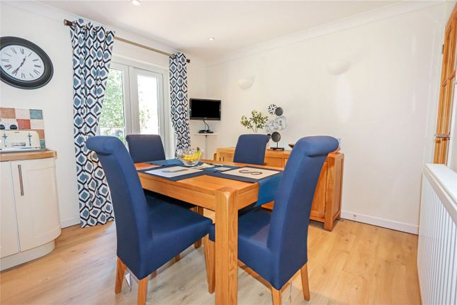 Picture No. 28 of Lagoon View, West Yelland, Barnstaple EX31