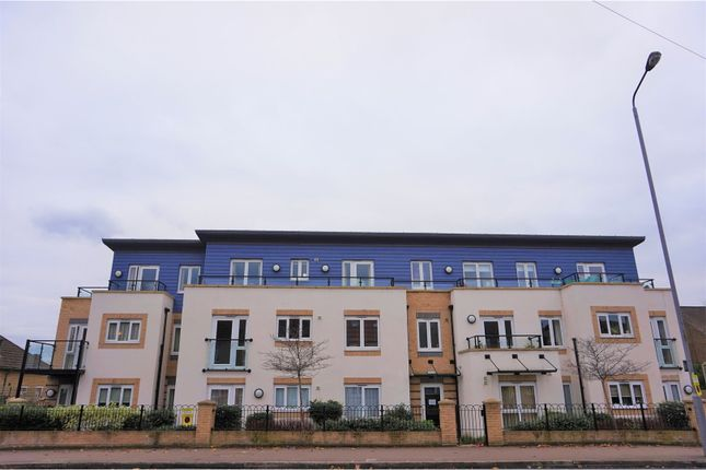 Thumbnail Property for sale in 51 Hall Lane, London
