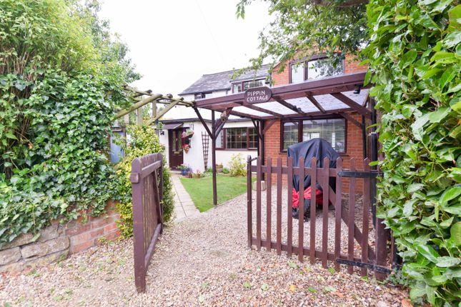 Thumbnail Cottage for sale in Rectory Lane, Lower Brailes, Banbury