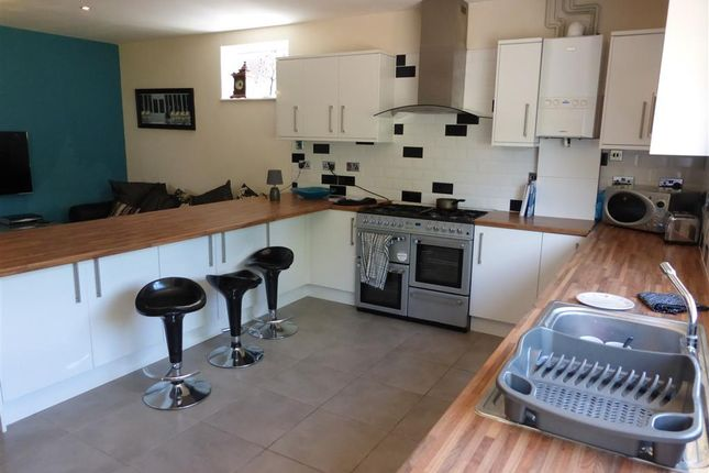 Thumbnail Property to rent in Carington Street, Loughborough