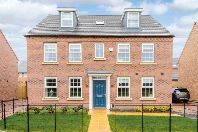 Thumbnail Detached house for sale in Swallow Drive, Warwick, Warwickshire