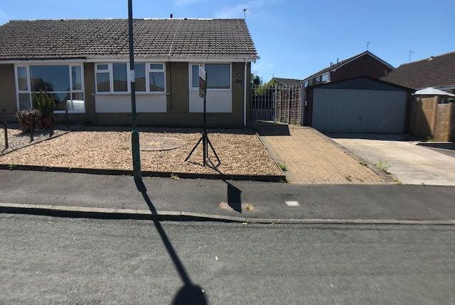 Thumbnail Bungalow to rent in Fordside Avenue, Clayton Le Moors