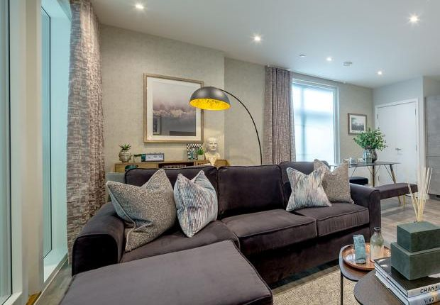 2 bedroom flat for sale in Elements, Alma Road, Ponders End