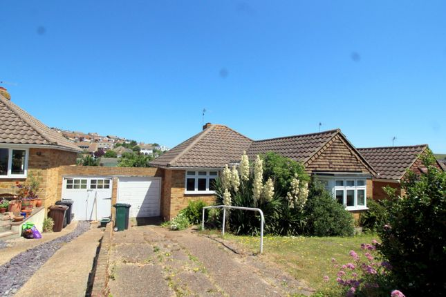 Thumbnail Detached bungalow to rent in Lustrells Close, Saltdean