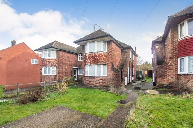 3 bed flat to rent in Roman Road, Leagrave, Luton LU4
