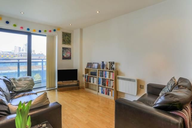 Thumbnail Flat for sale in One Brewery Wharf, Waterloo Street, Leeds, West Yorkshire