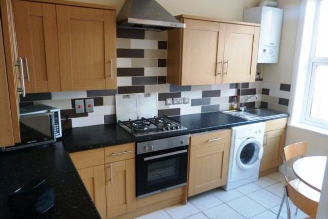 Thumbnail Flat to rent in High Road, Willesden Green, London