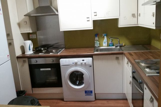 Thumbnail Terraced house to rent in High Road, Ilford