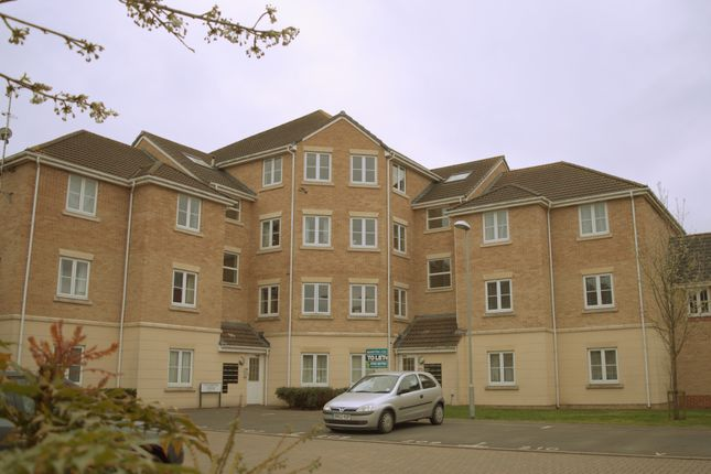 Thumbnail Flat to rent in Endeavour Road, Swindon