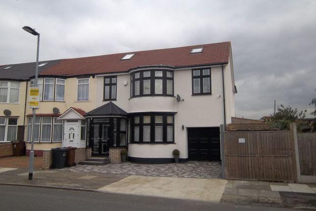 Thumbnail Maisonette to rent in Lyndhurst Gardens, Barking, Essex
