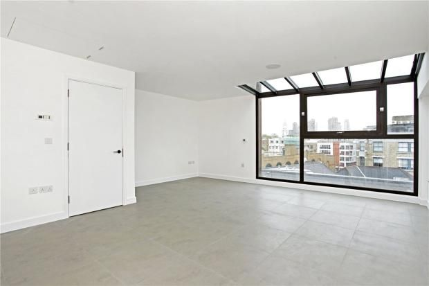 Thumbnail Flat to rent in Topham Street, Farringdon
