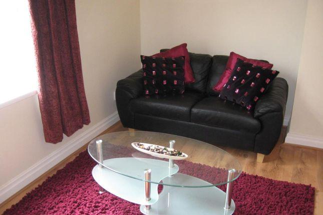 Lounge of Flat 7, 18 St Johns Terrace, University LS3
