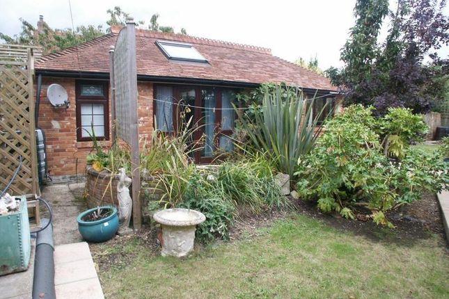 Thumbnail Cottage to rent in Woodcock Lane, Hordle, Lymington