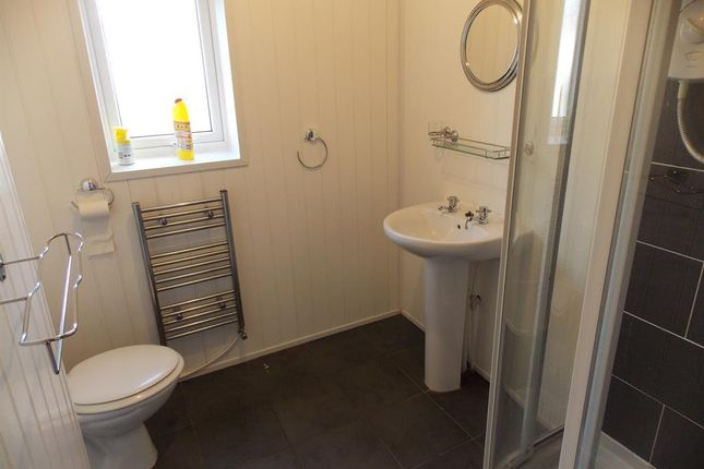 Bathroom of Kildare Street, Middlesbrough TS1