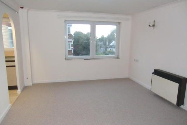 Thumbnail Flat to rent in Homedrive House, The Drive, Hove, East Sussex