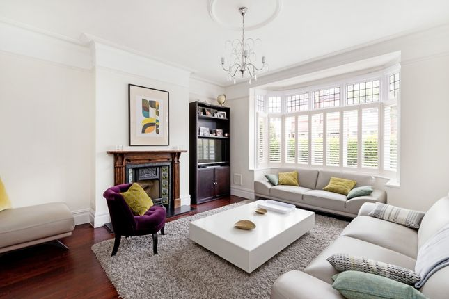 Thumbnail Property to rent in Muncaster Road, London