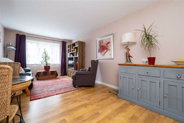 1 bed flat for sale in Balmoral Court, Overton Road, Sutton SM2