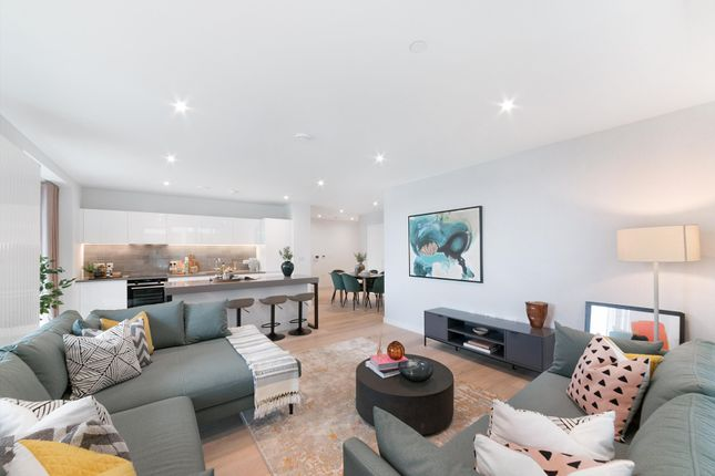 Thumbnail Flat for sale in 17.07.04 James Cook House, Royal Wharf, London