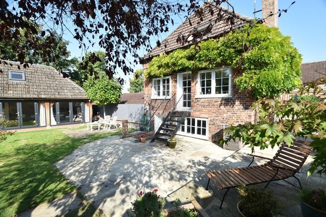 Thumbnail Semi-detached house for sale in Coopers Lane, Evesham