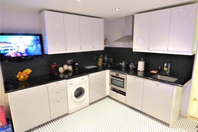 Whittington Avenue, Hayes, Greater London UB4