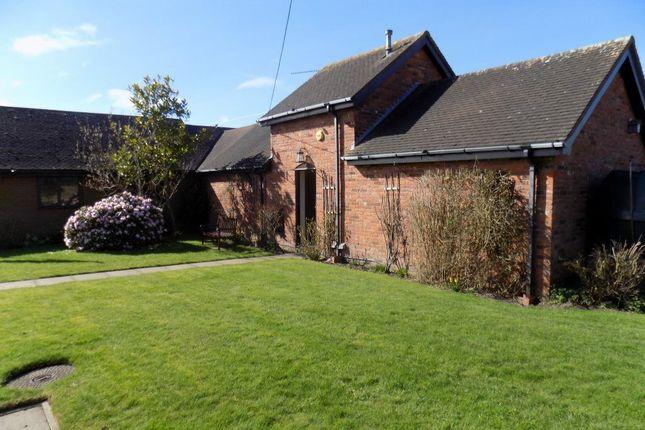Thumbnail Bungalow to rent in Lichfield Road, Burntwood, Staffordshire