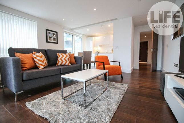 2 bed flat to rent in Talisman Tower, 6 Lincoln Plaza, London