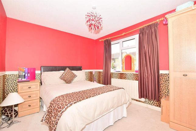 Bedroom 1 of Oliver Close, Crowborough, East Sussex TN6