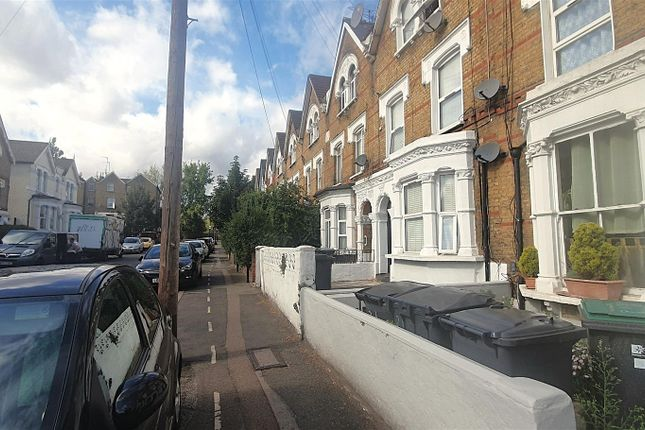 Thumbnail Room to rent in Hermitage Road, Finsbury Park, London