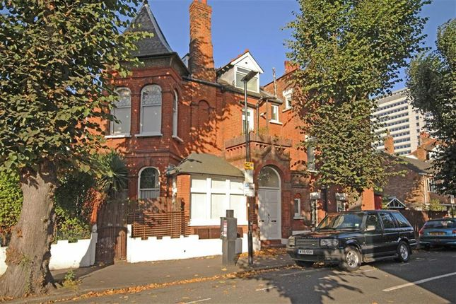 Thumbnail Flat for sale in Wellesley Road, London