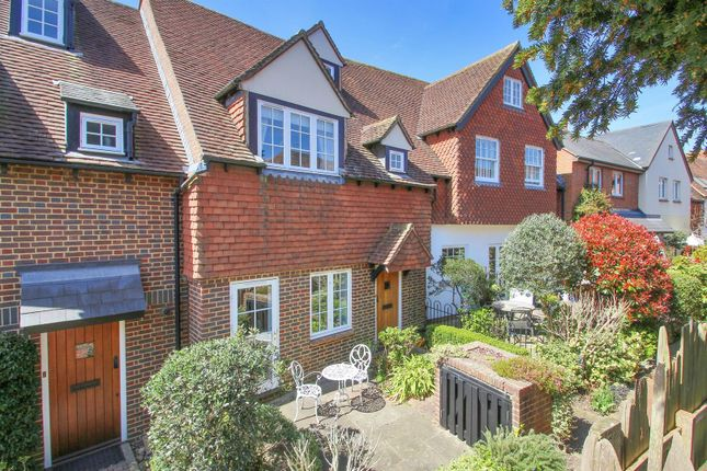 Thumbnail Property for sale in Yew Tree Mews, Off High Street, Westerham
