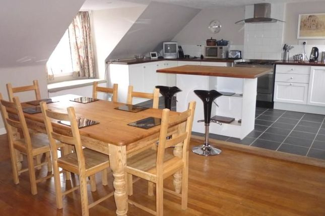 2 bed flat to rent in High Street, Linlithgow EH49