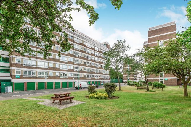 Flat for sale in 23 North Road, Islington