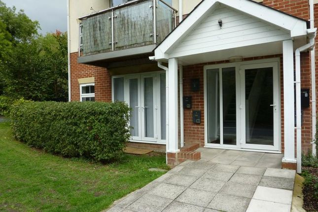 2 bed flat to rent in River Way, Andover SP10