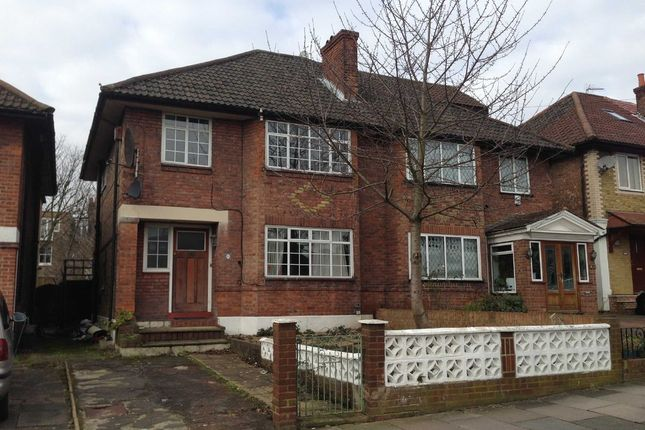 4 bed semi-detached house to rent in St. Dunstans Avenue, London