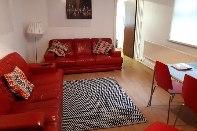 Thumbnail Shared accommodation to rent in Miskin Street, Cathays, Cardiff