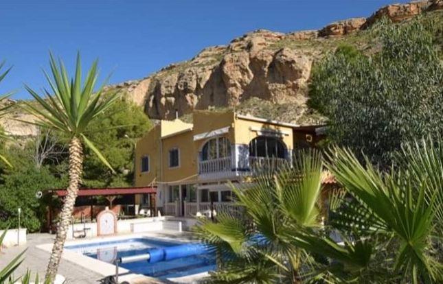 Thumbnail Country house for sale in Crevillente, Crevillent, Alicante, Valencia, Spain