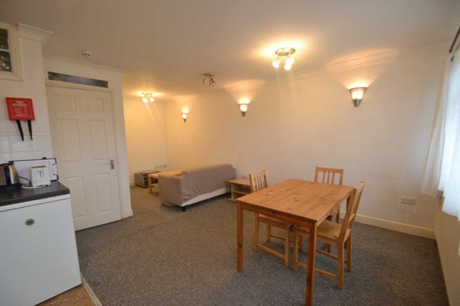 1 bed property to rent in Noel Road, West Acton W3