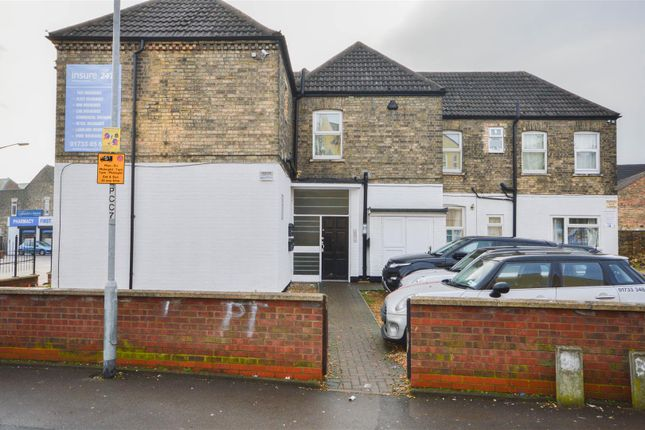 Thumbnail Maisonette for sale in Lincoln Road, Peterborough