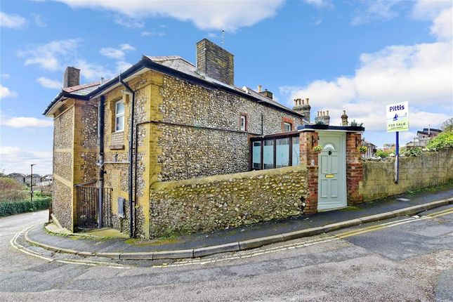 Thumbnail Maisonette for sale in Southgrove Road, Ventnor, Isle Of Wight