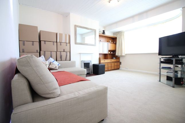 2 bed flat to rent in Sudbury Croft, Harrow