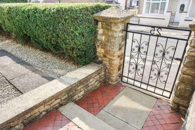Gated Entrance of Ranelagh Road, Wellingborough NN8