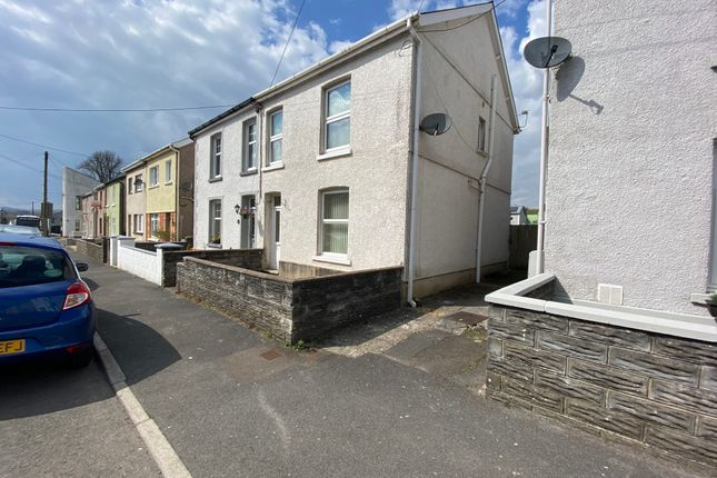 3 bed semi-detached house to rent in Margaret Street, Ammanford SA18