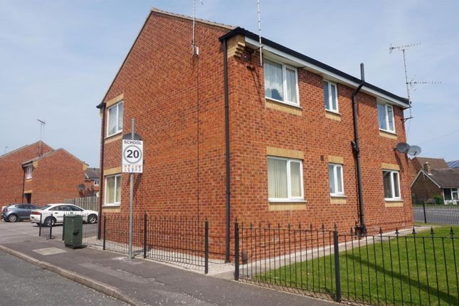 Thumbnail Flat to rent in Arundel Drive, Mansfield, Nottinghamshire