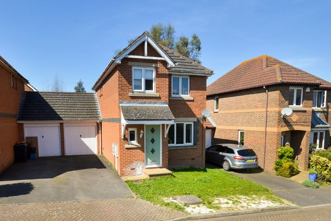 Link-detached house for sale in Quarry View, Ashford, Kent